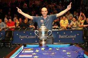 Johan Ruijsink with the Mosconi Cup