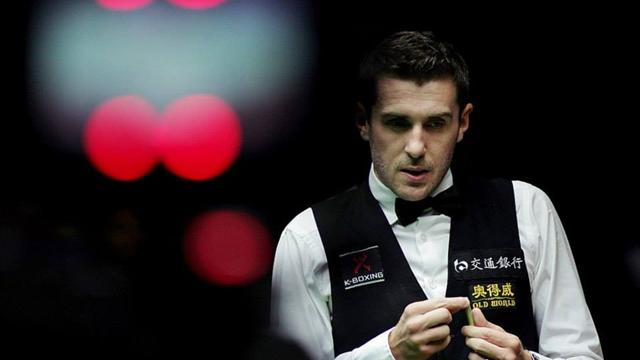 Selby, Robertson survive scares in Germany