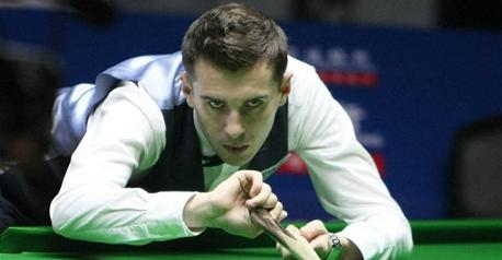 Snooker - Former champ Selby survives Lee fightback
