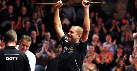 Snooker - Hawkins hits back-to-back tons to sink Allen