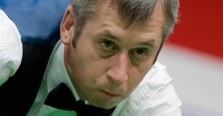 Snooker - Bond ousts Selby from shoot-out