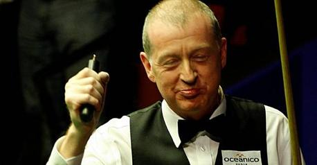 Snooker - Davis wins Six-reds world title