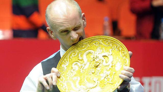 Snooker-Ebdon edges Maguire in epic final