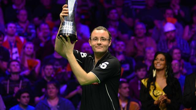 Snooker-Gould beats Allen in shoot-out final